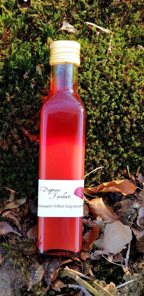 Champagner-Erdbeer Essigkreation Image